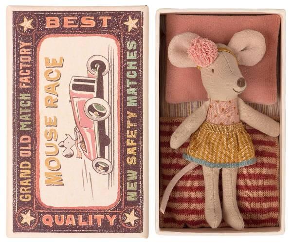 MAILEG Kleine Schwester Maus in der Kiste