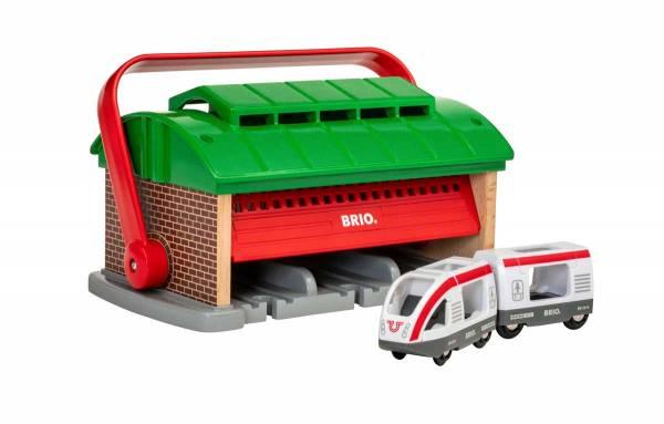 BRIO Tragbarer Mitnehm-Lokschuppen mit Reisezug