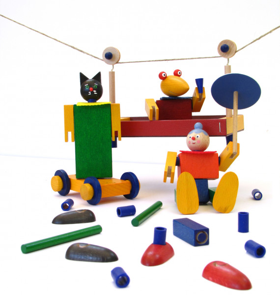 Theo In Der Seilbahn Puzzle Steck Und Legespiele Spielzeug